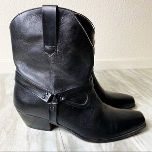 Other - Black Leather Classic Boots Made in Brazil